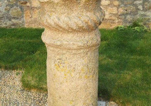 St Meloir des Bois - Roman column